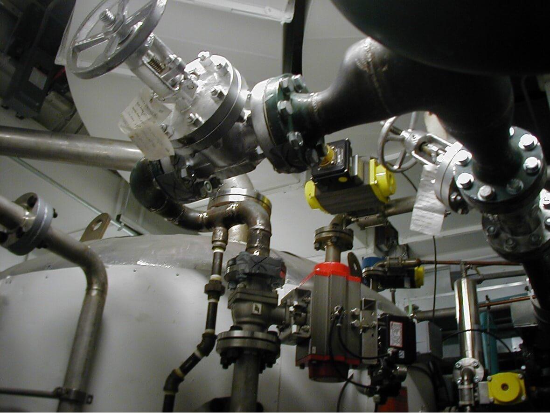 Steam effluent decontamination water system